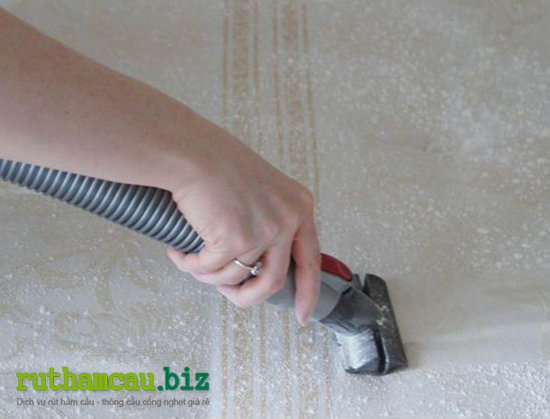 Cách giặt thảm tại nhà bằng bột banking soda