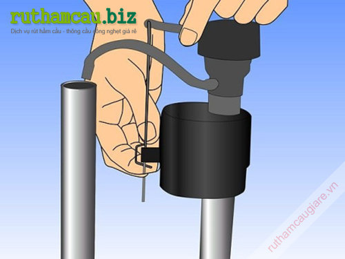 Cách sửa bồn cầu bị rò rỉ nước ở tay cầm