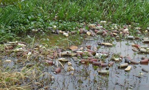 Hình ảnh ô nhiễm môi trường đất do thuốc bảo vệ thực vật