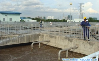 Bên trong nhà máy xử lý nước thải Bình Hưng