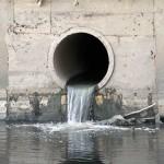 TPHCM: Nước thải chưa qua xử lý vẫn thải ra sông SG
